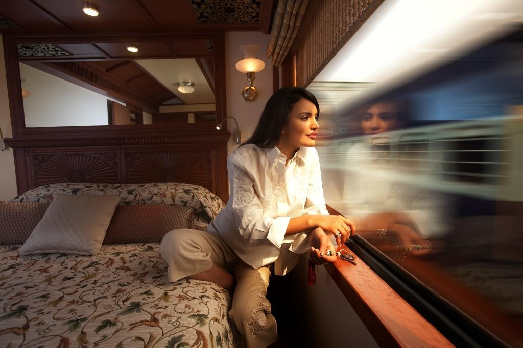 Maharajas Express Suite With Lady Doc